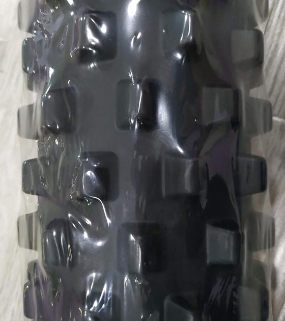 Массажный валик 79 см, черный